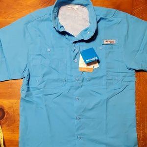 Mens performance fishing gear button shirt